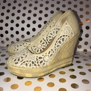 Groove Women's Espadrille Wedge Lace Shoes Size 8